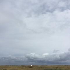 Le ciel est si grand sur la lande... (Reb et Ka) Tags: bretagne breizh bzh morbihan erdeven ocean lande sky ciel clouds
