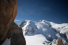 Mont Blanc (alt. 4809m) (emmanuel.vandersloot) Tags: chamonix montblanc montagne mountain montebianco neige snow alpes alps alpinisme mountaineering altitude ciel bleu blue sky rocher rock france