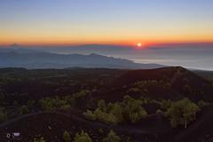 Attimi di vita / moments of life (Simone Di Dio) Tags: etna alba sartorius nord sunrise estate sicilia sicily citelli mareneve