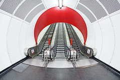 Escalator Tube (CoolMcFlash) Tags: escalator subway station modern symmetry architecture vienna austria nobody canon eos 60d sigma 10mm fisheye wideangle tunnel tube rolltreppe ubahn symmetrie symmetrisch architektur wien österreich niemand fischauge weitwinkel fotografie photography urban city citylife stadt städtisch