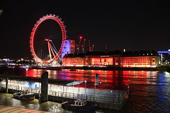 London Eye and County Hall, London (topwh) Tags: london londonatnight londoneye countyhall westminster waterloo riverthames thames unitedkingdom england red westminstermilleniumpier