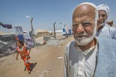 Hardship in the Desert_263b (EU Humanitarian Aid and Civil Protection) Tags: iraq fallujah anbar water nrc norwegianrefugeecouncil children elderly desert