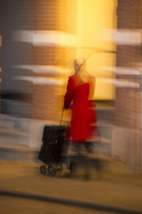 We carry on (Wookiee!) Tags: blonde suitcase trolley red yellow vague color colours canon d550 dlsr sigma 18200mm lens raw unposed unpolished street candid woman shertogenbosch denbosch den bosch duketown the netherlands holland dutch straatfotografie streetphotography vrouw blond koffer haast rush city stad nl wwwgevoeligeplatennl