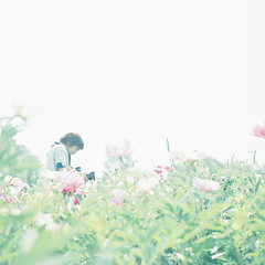 (kajico**) Tags: people flower 120 film girl square hasselblad freind hokkaido2012