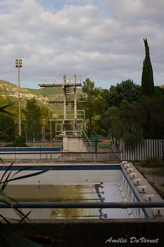 "La piscine dans la garrigue • <a style=""font-size:0.8em;"" href=""http://www.flickr.com/photos/60395175@N00/8103519210/"" target=""_blank"">View on Flickr</a>"