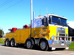 photo by secret squirrel (secret squirrel6) Tags: rescue yellow modern cabin nikon waiting flickr heaven bluesky victoria winner coolpix trucks parked resting heavy coe recovery towing kw stopped kenworth hallam cabover bigrigs bullbar alcoas twinsteer aussietrucks worldtrucks secretsquirrel6truckphotos