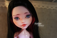 (Amber-Honey) Tags: monster amber high mod doll ooak honey custom mattel repaint draculaura