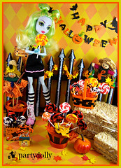 Halloween Treats (partydolly) Tags: scale monster one miniature high candy trickortreat barbie mini blythe six lollipops diorama happyhalloween partydolly