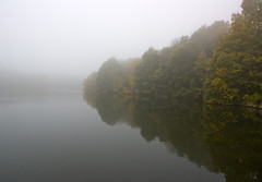 Linacre Reservoir no 2 (l4ts) Tags: autumn mist reflection landscape derbyshire peakdistrict autumncolours chesterfield minoltaamount linacrereservoirs linacrewood
