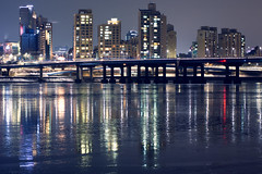 night in seoul (bluesbird83) Tags: bridge winter light night canon korea seoul 서울 한국 대한민국 야경 3580mm omzuiko cheongdam 청담대교 5dmarkiii gettykorea13q1