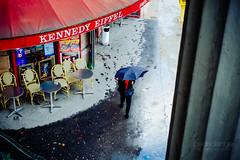 Kennedy-Eiffel (Cedpics) Tags: street paris france café rain umbrella hiver pluie rue parapluie passy paris16eme fujixpro1