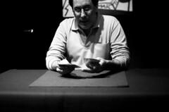 (lidiajuvanteny) Tags: gabi cards magic trick gesto elreidelamagia