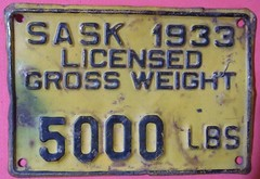 SASKATCHEWAN 1933 ---TRUCK  5000 lbs GROSS VEHICLE WEIGHT SUPPLEMENTAL PLATE (woody1778a) Tags: world auto canada cars car sign vintage edmonton photos tag w woody plate tags licenseplate collection number photographs license plates sk saskatchewan foreign trucking numberplate licenseplates 1933 numberplates licenses cartag carplate carplates autotags cartags autotag foreigns pl8s worldplate foreignplates platetag worldplateseighttab
