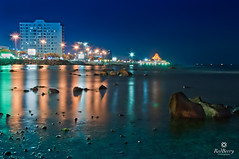 Corniche, Jeddah (RedBerry) Tags: city travel blue sunset orange reflection green beach beautiful night landscape restaurant jeddah saudiarabia redberry        nikond90