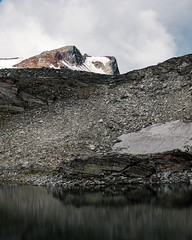 PM200775_medium_1400 (ThomasKrannich) Tags: austria carinthia schwarzhornsee cloud grey ice lake landscape nobody oberer rough stone summit scree debris rock mountain alps alpine wanderlust elendscharte bleak mtcand