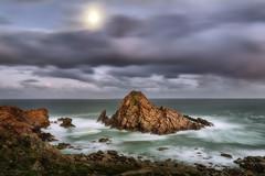 Moon Set (Crouchy69) Tags: sunrise dawn landscape seascape ocean sea water coast rocks clouds sky sugarloaf rock dunsborough western australia
