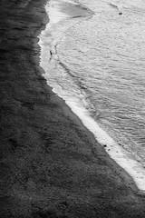 La greve blanche (dominique.miltat) Tags: mer manche nuages pluie bretagne enfants jeux vague