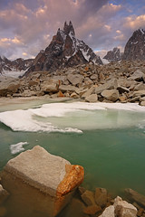 Karpogoro: Early morning over Sosbun Brakk (Shahid Durrani) Tags: snow lake trek biafo glacier karakorams gilgit baltistan pakistan