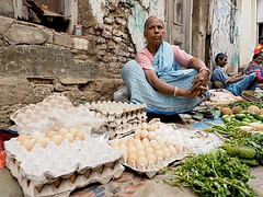 Kolkata - Eggs and vegetables for sale (sharko333) Tags: travel voyage reise street india indien westbengalen kalkutta kolkata  asia asie asien people portrait woman vegetables egg market vendor olympus em1