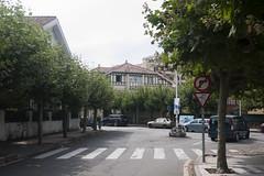 Salinas (Jusotil_1943) Tags: entrearboles arboles salinas asturias seales trafico pasodecebra