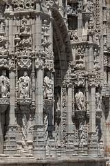 Igreja Santa Maria de Belm - Lizbona (jacekbia) Tags: europa portugalia portugal lizbona lisboa belem igrejasantamariadebelm koci church fasada architektura architecture budynek building rzeba sculpture stylmanueliski outdoor zdobienia canon 1100d tamron