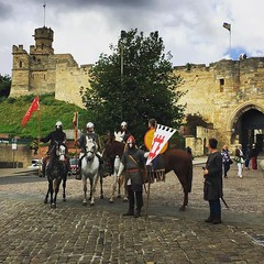 King Harold doing a bit of sightseeing in Lincoln on the way to #Battle1066. @englishheritage (Visit Lincoln Instagram) (Joel (Visit Lincoln)) Tags: lincoln lincolnshire england britain
