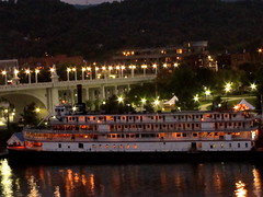 Delta Queen at Coolidge Park (Jenn Jackson) Tags: edited p7 chattanoogatn coolidgepark nighttimephotograph