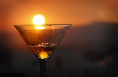 Liquid sun (Inmacor) Tags: sun sol cup sunrise contraluz rojo drink amanecer liquid copa sensation beber liquido sensaciones emociones sensacion licuar ltytr2 ltytr1 ltytr3 inmacor