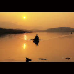 Golden lake [ EXPLORED ] (-clicking-) Tags: morning sun sunlight lake reflection sunshine silhouette mi sunrise landscape boats dawn golden vietnam h goldendawn goldensunrise a vietnameselandscape