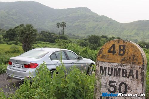 2012-BMW-320d-F30-20
