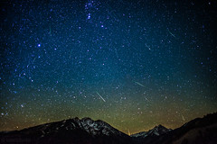 Orionid Meteors over Aspen Highlands and Pyramid Peak (tmo-photo) Tags: highlands colorado pyramid fav50 fav20 aspen fav30 meteor fav10 fav100 fav40 fav60 fav90 fav80 fav70 oroinid