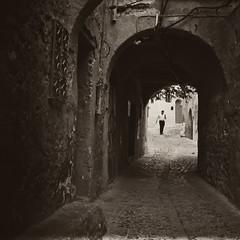Le bout du tunnel (cafard cosmique) Tags: africa mountain photography photo foto image northafrica morocco maroc chaouen chefchaouen marruecos marokko rif marrocos afrique chefchouen xaouen chouen afriquedunord المغرب شفشاون شاون bluetowncity