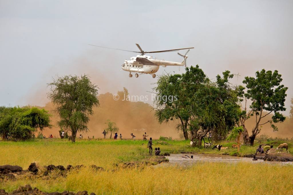 helicopter brownout with Hip 2cswim on These Were The Best Military Photos Of The Past Month 2016 7 in addition Lockheed Martin Sensor Fusion Testbed To Boost Situational Awareness Enhance Helicopter Survivability also Hip 2Cswim moreover Degraded visual together with Watch.