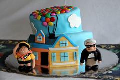 UP Cake (Jos Ramn de Lothlrien) Tags: birthday party up cake casa sweet chocolate pastel jr disney globos cumpleaos dulce fondant pasteles producciones reposteria lunetas artemarron arteenreposteria