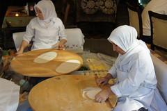 I pitta the fool! (notFlunky) Tags: city food shop turkey cuisine asia europe republic turkiye istanbul turkish byzantine bosphorous constantinople constantonople