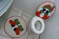 P1020440 (Monne Arts) Tags: natal de bonito artesanato capa noel lindo kit festa tapete decorao jogo vaso banheiro lavabo mamae papai conjunto tecido colorido algodo enfeite proteo festivo natalino