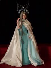 Extra1 (Misty Valley Dolls) Tags: flowers ginger doll luv romantic bjd bard abjd galahad priestess dimdoll zaoll bjdoll