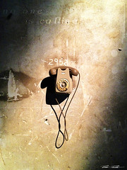 no one is calling_net (peter pirker) Tags: old italien italy canon phone alt telefon venedig iphone peterfoto eos550d peterpirker