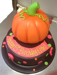 Halloween Pretty Pumpkin Cake