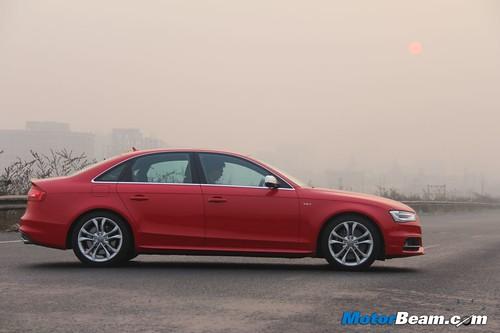 2013-Audi-S4-17