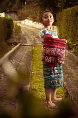 tipico_66 (edyn81) Tags: nia mujer trajeindigena maya atitlan mirador folclor guatemala traje blusa corte