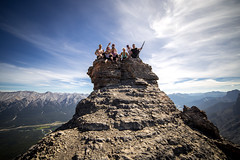 EEOR with these badasses (V.Duplain) Tags: rockies canada canadian alberta canmore eeor mount rundle mountain mountains scramble hiking hike rocks top friends sky blue morning