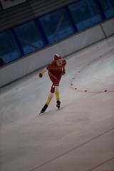 A37W7304 (rieshug 1) Tags: speedskating schaatsen eisschnelllauf skating nkjunioren knsb nkjuniorenallroundafstanden afstanden allround 50010001500massstart demeent alkmaar sportcomplexdemeent juniorenc ladies dames 500m