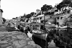 Puerto de Can Figueres, Mallorca. (rmfly) Tags: mar puerto mallorca barcas nikond800e nikkor247028g mediterrneo sea islands ships pesca tradicin fishing reflejos atardecer