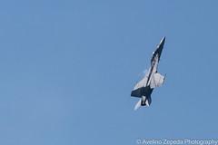 F/A-18F Super Hornet Sharp Ascent (Avelino Zepeda) Tags: canadianinternationalairshow canadianairshow torontoairshow cias toronto harbourfront us navy usnavy superhornet usnavysuperhornet usf18 f18