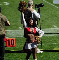 San Francisco 49ers vs New York Giants () Tags: sf sanfrancisco woman sports girl football mujer nikon uniform chica cheerleaders legs 10 femme nfl sunday thecity sanfrancisco49ers 49ers sunny pros bayview garota mulheres footballfield cheerleader cleavage frau 70300mm sportsaction fille negra ebony pompoms blackgirl footballgame stacked myview nfc goldrush morena myseat sfist niners candlestickpark wahine  grassfield  saofrancisco monsterpark schn whiteboots  nainen fortyniners  thestick kvinna nflcheerleaders vrou livegame d700 10yardline 49erscheerleaders ninernation nikond700 tenyardline bayviewheights  49ersgoldrush goldrushcheerleaders