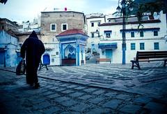 Rencontre matinale  Chefchouen (cafard cosmique) Tags: africa mountain photography photo foto image northafrica morocco maroc chaouen chefchaouen marruecos marokko rif marrocos afrique chefchouen xaouen chouen afriquedunord    bluetowncity