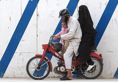 Fes (Sallyrango) Tags: family three northafrica muslim hijab motorbike morocco fez maroc motorcycle niqab moroccan fes burka threeonabike