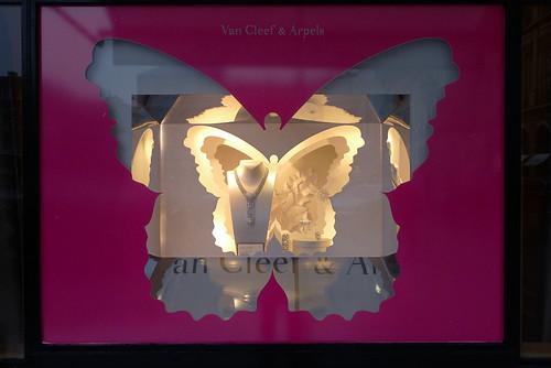 Vitrines Van Cleef & Arpels par Mademoiselle Scarlett et Stéphanie Moisan - Paris, septembre 2012