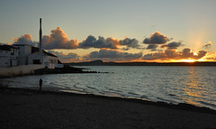 Bowmore Distillery (Ballygrant Boy) Tags: sunset sea sky clouds coast scotland nikon argyll islay shore whisky distillery bowmore hebrides 24120vr lochindaal d700